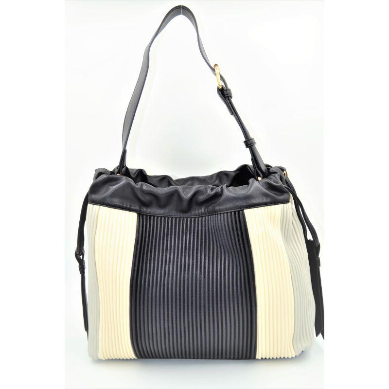 e05a866ced Αρχική σελίδα   Shop   Τσάντες   Τσάντα Ώμου   Gaudi Linea Greta τσάντα  ώμου γκρι